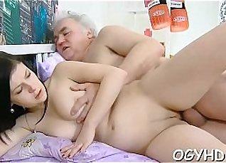 Sexy latina babe seduces young guy |