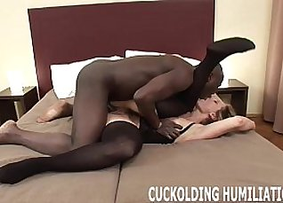 Model ebony waves and swallows a cock |