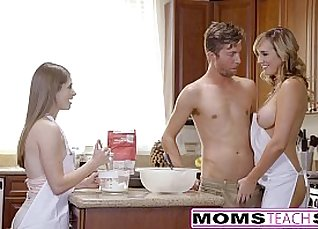 Blonde Teen Threesome With Dick for Mom |