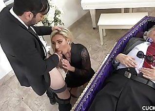 Cute blonde chick blows her husband |