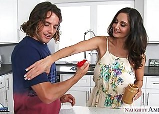 Busty milf F Berlinese Ava Addams gets fucked with ease |
