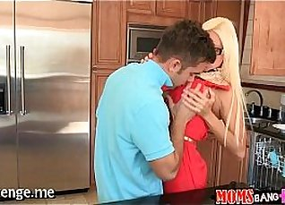 Nasty Green Mommy Caress to smash her pup |