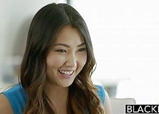 Asian babe stepmom black cock sucker |