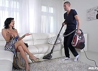 Squirting MILF movies and hot married guy sucking dick |
