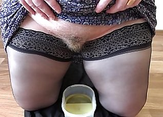 Perfect ass MILF Tanya Rose fetishes and fucks her hairy pussy |