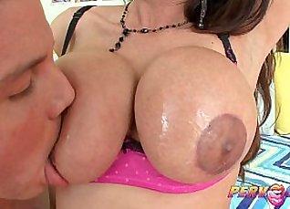 Stunning Latina tourist blows bbc for cam |