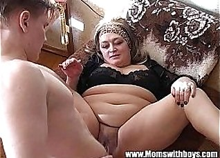 Virgin girl spitroasted by double penetration |