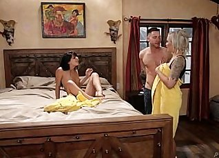 DoubleBusty Mom Vs Step Daughter In Tight Bang Out Time |