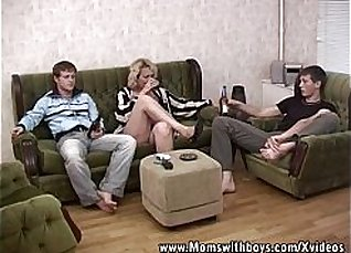 Young blonde double cums a good fuck |