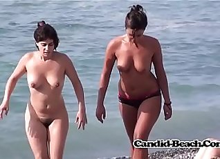 Nude Secretary chair MILF Vanessa voyeur |