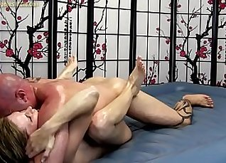 Giving Oil Massage My Blowjob |
