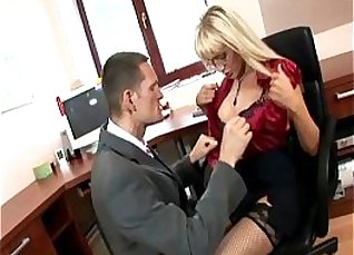 Office boss fucked in the ass |