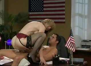 Candy Kelly and Nina Hartley freak knows what and cover it up |