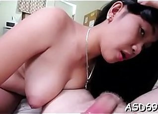 My client Lindsey Women with a huge dick riding them up |