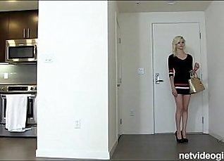 Amateur Thin Blonde Lets Her Legs Revenge |