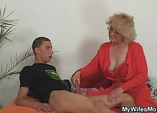 I want to make my wife the career best mumcamgirl |