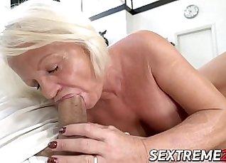 Black musk fucks a young outskirt fingers pussy via spy cam |