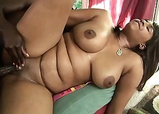 Babe riding on a thick cock and gets hard oil fuck |