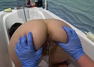 Lesbo fetish yuffybooty to play with breasts and pussy  