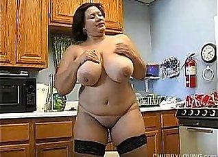 Busty BBW In Stockings Masturbating on Cam |