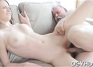 Young babe is leaking pussy juice for some cash |