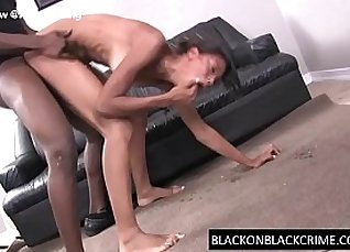 Teen girl gets her pussy filled by deepthroat  