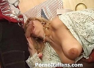 Busty Italian Milf Masturbates And Cums In Pool |