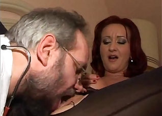 Sexy mature woman Claudia Santoro begs for anal sex with horny curvy guy |