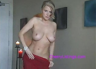Sexy stripped blonde MILF gets fucked for posing |