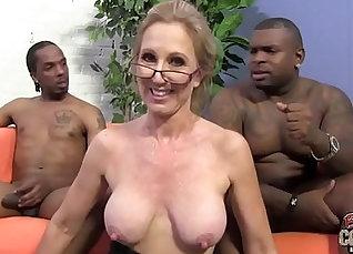 bbw ebony teacher masturbates after class |