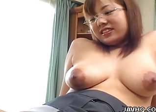 Busty Japanese babe gets fucked on homemade video |