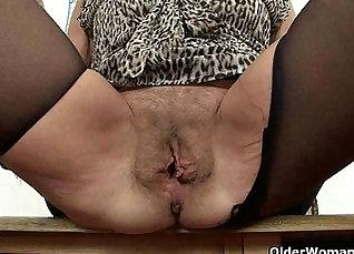 British pussy fucks with dildo |