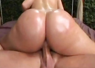 Dude licked her ass and fucked her |