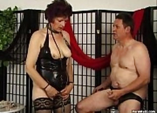 Brown-haired latex beauty blows thick tasty penis like a pro |
