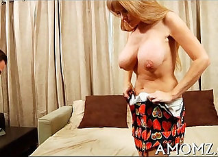 MOM Olivia Kelly gets a deep vaginal fuck |