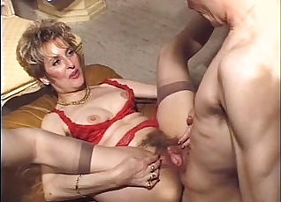 Buff hairy mature wife gets anal fucked and creampied on the couch |