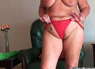 busty bbw doing pussy and ass fuck girl |