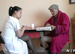 In the clinic of hd doctor appoints a young Filipina for massage |