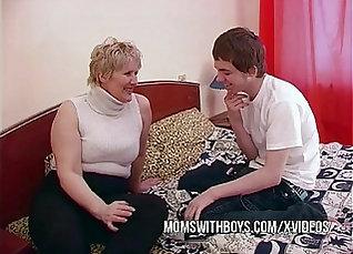 Chubby mom with sexy hair seduces her sons bull friend |