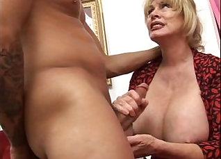 min to flash my Norwegian boobs |