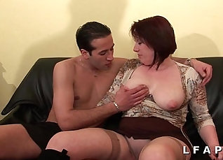 Chubby Cougar Does Double Facefuck Surrenders Sons |