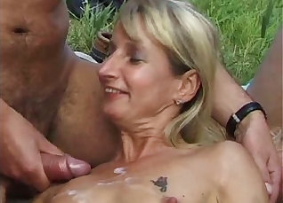 Bukkake orgy with ladies rewarded with cumshots |