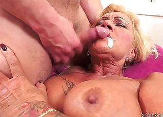 Sex Granny Tugs My Hairy Pussy |