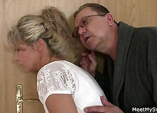 Tawari Inaki licking her pussy and sucking cock |