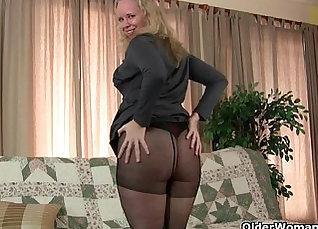 Blonde Milf Banged On Desk And Pantyhose |