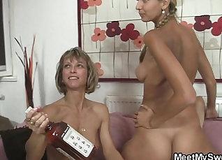 Big tit beauty and stepmom threeway fuck  