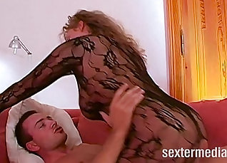 Busty milf fingers pussy and cummed on her ass |
