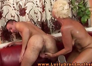 Amateur blonde actress Vanessa humping hot tempered dudes pecker |