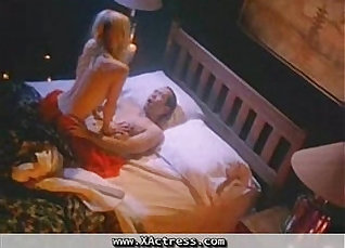 Ashley Hanson is loving Pamela Anderson |