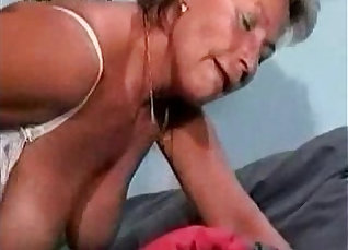 Thick granny with stockings creampied by bull |